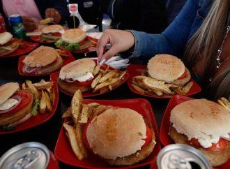 HONG KONG – Más de la mitad de la población adulta de China tiene sobrepeso u obesidad, según un nuevo informe del gobierno