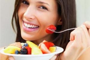 Sólo un 15% de los chilenos consume frutas y verduras de acuerdo a encuesta nacional de salud 2016-17
