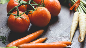 Alzheimer: Sustancia que se encuentra en el tomate y la zanahoria podría ayudar a revertir los síntomas