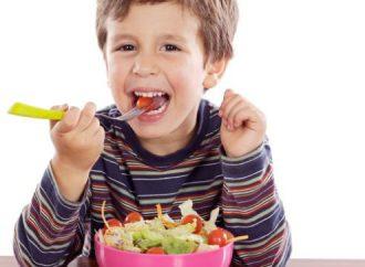 Especialista señala Hábitos alimenticios recomendables para las distintas etapas de la infancia