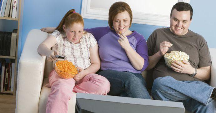 Nutriólogo español señala que la transmisión de hábitos saludables de padres a hijos es clave para evitar la obesidad infantil